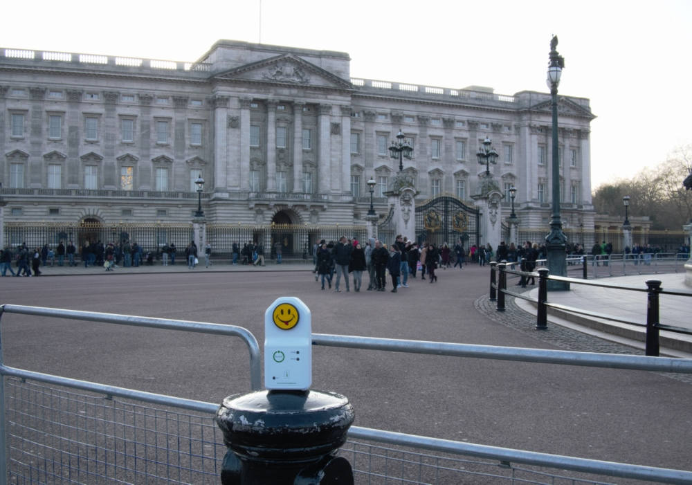 iSocket in front of Buckingham Palace