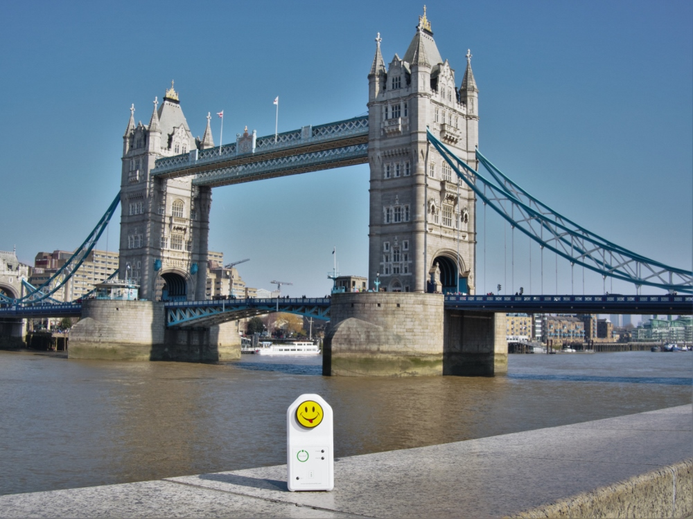 iSocket in front of Tower Bridge